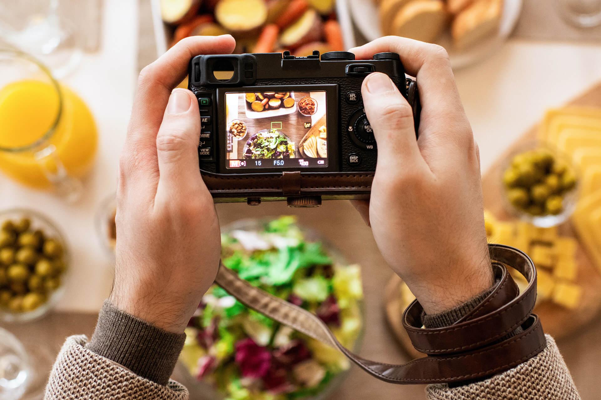 Skąd pozyskać zdjęcia do marketingu?